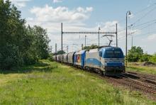1216 920 ADRIA cez Šaľu s nákladným vlakom