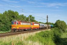 240 095 a 240 126 v čele vlaku ZSSKC