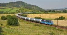 Preprava nových cisternových vozňov z Popradu