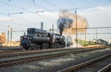 Mikulášsky vlak s Mazutkou po bratislavských spojkách