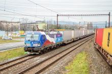 383.009-8 s poslednými návesmi RailRunner
