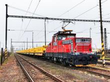 Švajčiarske výsypné vozne na ceste do Trnavy