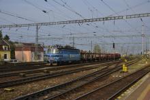 ČD Cargo 230.101-8 so správkovými vozňami