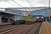 Spoločné foto Bobiny E 499.047 a Dvojičky ZSSK Cargo v stanici Poprad