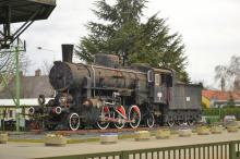 Pomník maďarskej parnej lokomotívy v Šoproni
