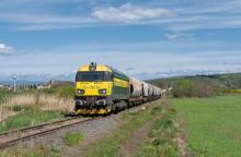 753.608-9 PSŽ s obilninovým vlakom do Maďarska cez Somoskőújfalu
